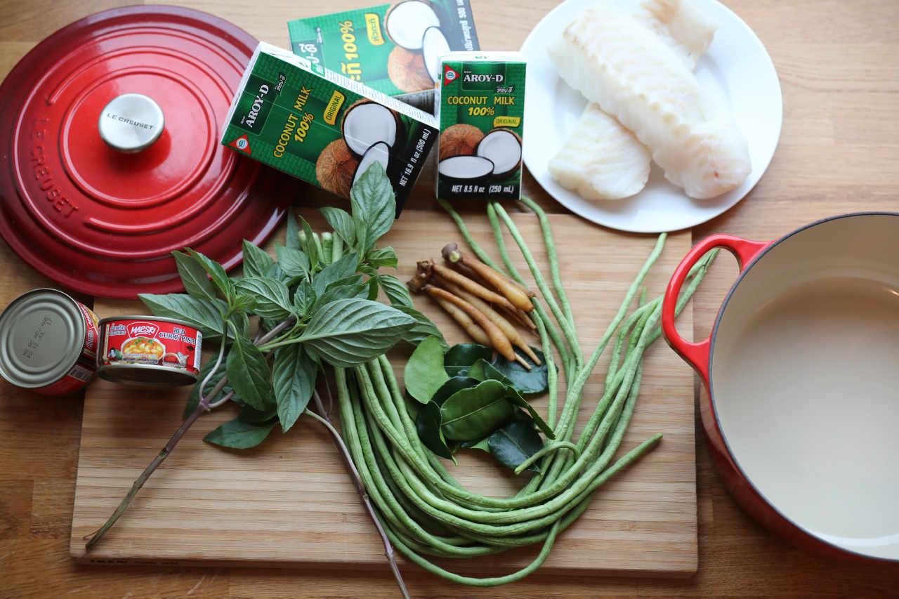Thai fiskegryte lages med disse ingrediensene.