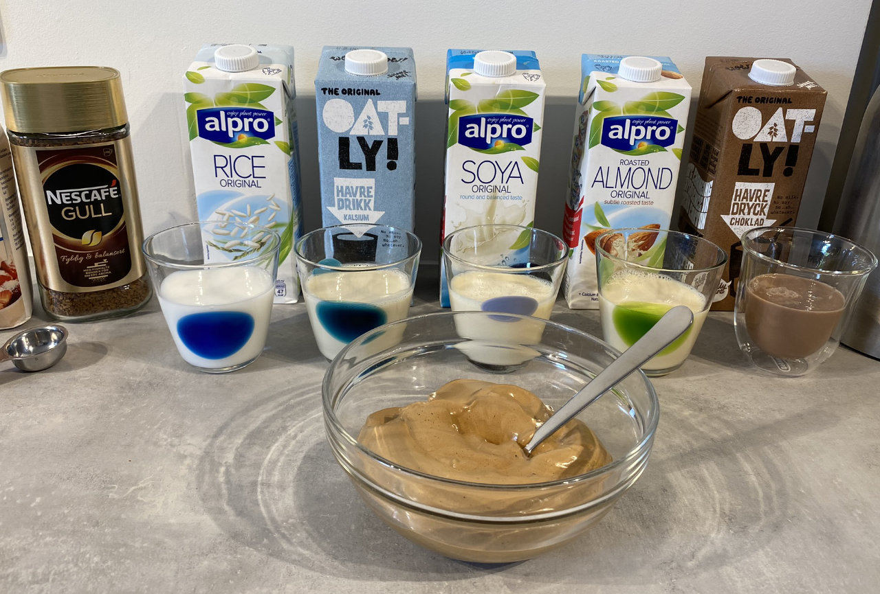 Dalgonakaffe med melkealternativer basert på ris, havre, mandel, soya og sjokoladdrikk